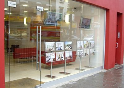 frameless-shopfronts-image-2